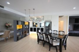 3 Bedroom Condo for sale in The Cadogan Private Residence, Khlong Tan, Bangkok