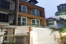 4 Bedroom Townhouse for Sale or Rent in Khlong Toei Nuea, Bangkok near MRT Sukhumvit