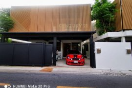2 Bedroom House for sale in Sam Sen Nai, Bangkok