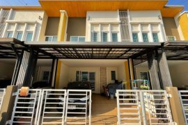 4 Bedroom Townhouse for sale in Golden Town Ramkhamhaeng-Wongwaen, Saphan Sung, Bangkok