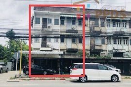 5 Bedroom Shophouse for sale in Bang Na, Bangkok near BTS Bearing