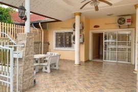 2 Bedroom Townhouse for sale in East Pattaya, Chonburi