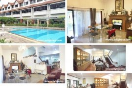4 Bedroom Townhouse for sale in Khlong Toei Nuea, Bangkok near BTS Ekkamai