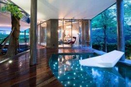 6 Bedroom Villa for Sale or Rent in Khlong Toei, Bangkok near BTS Phrom Phong