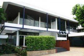 5 Bedroom House for rent in Phra Khanong, Bangkok near BTS Thong Lo