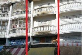 4 bedroom shophouse for sale in Bang Khun Si, Bangkok Noi