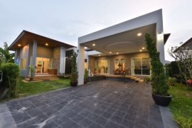 4 Bedroom Villa for sale in Ananda Lake View, Thep Krasatti, Phuket
