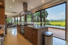 5 Bedroom House for sale in Chiang Mai