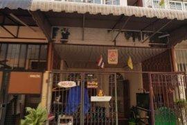 2 Bedroom Townhouse for sale in Sam Sen Nok, Bangkok near MRT Phawana