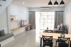 3 Bedroom Townhouse for Sale or Rent in Suthep, Chiang Mai