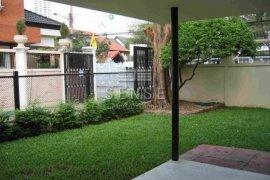 3 Bedroom House for rent in Khlong Toei, Bangkok near BTS Ekkamai