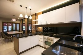 4 Bedroom Townhouse for Sale or Rent in Baan Klang Krung Siam-Pathumwan, Thanon Phetchaburi, Bangkok