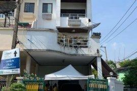Townhouse for rent in Khlong Toei, Bangkok near BTS Asoke
