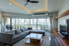 4 Bedroom Condo for sale in Castle Hill  Mansion, Phra Khanong Nuea, Bangkok near BTS Ekkamai