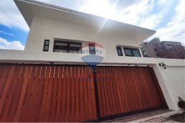 4 Bedroom House for sale in Khlong Toei, Bangkok near MRT Queen Sirikit National Convention Centre