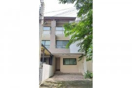 3 Bedroom Townhouse for sale in Lat Phrao, Bangkok