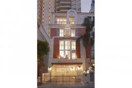4 Bedroom Townhouse for sale in Watthana, Bangkok
