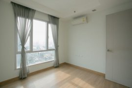 2 Bedroom Condo for sale in Thru Thonglor, Bang Kapi, Bangkok near MRT Phetchaburi