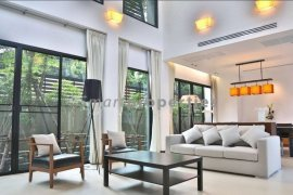 4 Bedroom Villa for rent in Khlong Tan Nuea, Bangkok near BTS Ekkamai