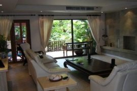 4 Bedroom Townhouse for sale in Khlong Tan, Bangkok
