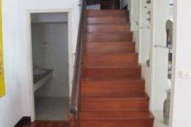 3 Bedroom Townhouse for rent in Khlong Tan, Bangkok