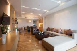 3 Bedroom Apartment for rent in Khlong Tan Nuea, Bangkok