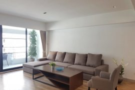 3 Bedroom Apartment for rent in Khlong Tan Nuea, Bangkok