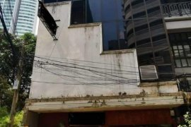 Commercial for rent in Khlong Tan Nuea, Bangkok