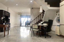 4 Bedroom Townhouse for Sale or Rent in Phra Khanong, Bangkok