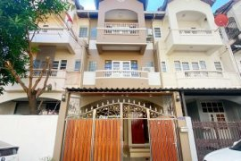 4 Bedroom Townhouse for rent in Bangkok near BTS On Nut