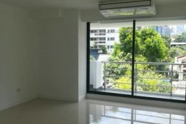 Office for rent in Khlong Tan Nuea, Bangkok near MRT Sukhumvit