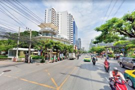 Commercial for rent in Khlong Tan Nuea, Bangkok