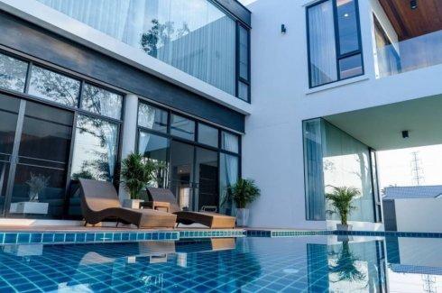 6 Bedroom House for sale in Baan Wangtarn, San Phak Wan, Chiang Mai