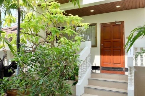 5 Bedroom Townhouse for rent in Chong Nonsi, Bangkok