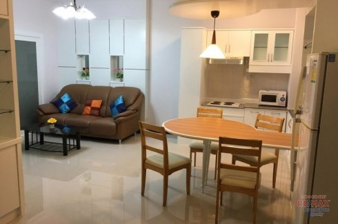 2 Bedroom Condo for rent in Khlong Toei Bangkok near BTS Asoke & High Ceiling Condo with Balcony Facing East In Phrompong. 📌 Condo ...