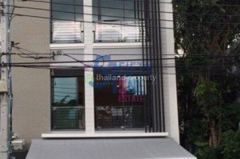 3 bedroom townhouse for rent in Baan Klang Muang Rama 9-Ramkhamhaeng