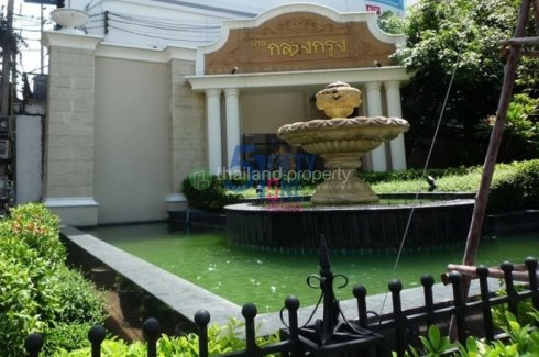 4 bedroom townhouse for rent in Khlong Tan Nuea, Watthana