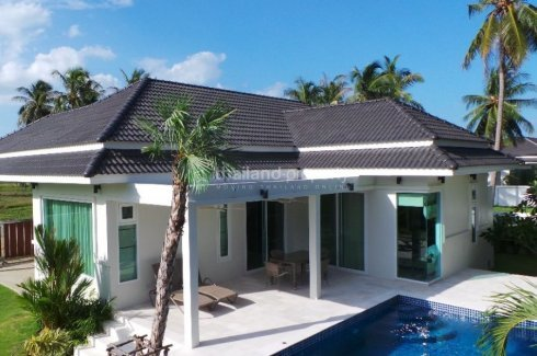 3 bedroom villa for sale in White Beach Villas