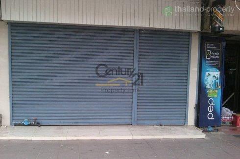 2 bedroom warehouse / factory for sale in Khlong Tan, Khlong Toei