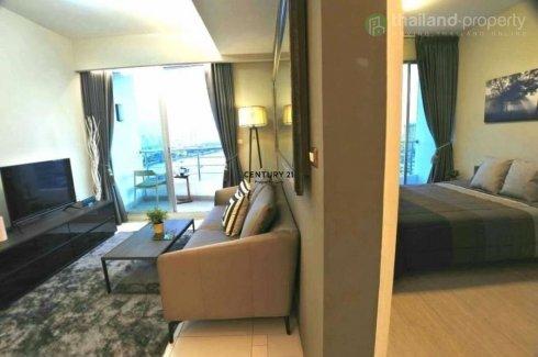 1 Bedroom Condo for sale in Bang Lamphu Lang, Bangkok near BTS Krung Thon Buri