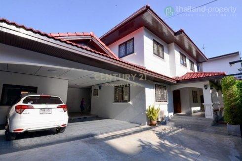 4 Bedroom House for rent in Sam Sen Nai, Bangkok