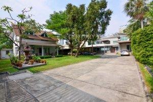 3 Bedroom House for rent in Sam Sen Nai, Bangkok