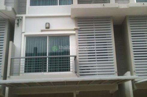 3 bedroom townhouse for sale in The Metro Pattanakarn - Srinakarin