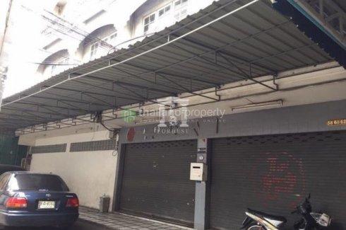 Shophouse for sale in Yan Nawa, Bangkok