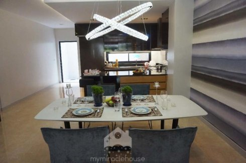 3 Bedroom Townhouse for sale in Thung Phaya Thai, Bangkok near BTS Victory Monument