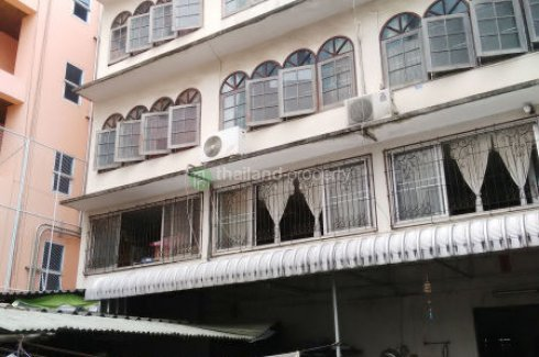 Shophouse for sale in Yan Nawa, Bangkok near BTS Chong Nonsi