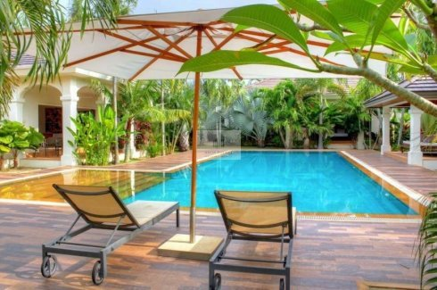 6 bedroom villa for rent in Rawai, Mueang Phuket