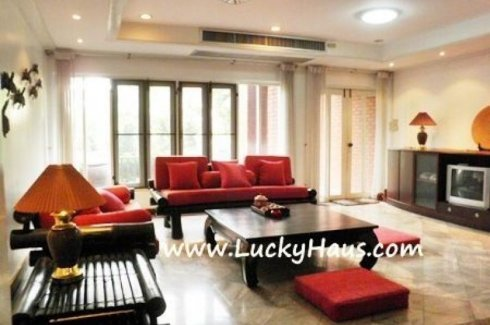 3 Bedroom Townhouse for rent in Khlong Toei Nuea, Bangkok