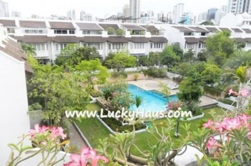 4 bedroom townhouse for rent in Khlong Toei Nuea, Watthana