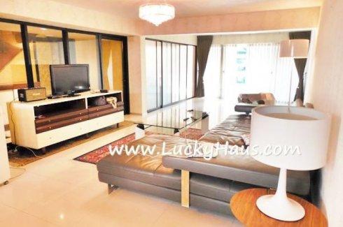 2 bedroom townhouse for rent in Phra Khanong, Khlong Toei